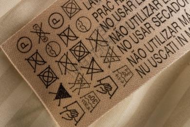 Você sabe decifrar o que as etiquetas dizem sobre suas roupas?