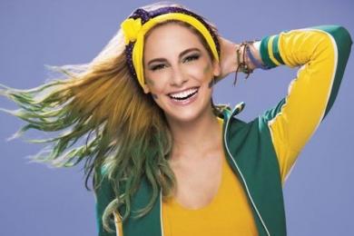 Mechas verde e amarelas no cabelo para torcer pelo Brasil